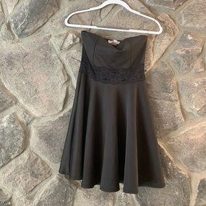 Wild Daisy Midi Black Dress